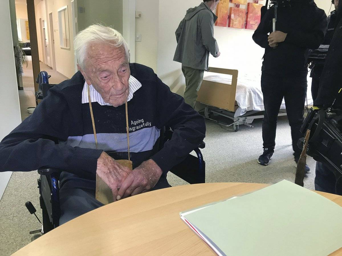 Goodall, un reconocido botánico que ha publicado extensamente en revistas científicas, se convirtió en un activista de la eutanasia Foto: AP