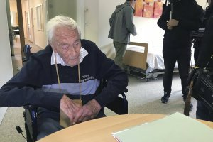 Goodall, un reconocido botánico que ha publicado extensamente en revistas científicas, se convirtió en un activista de la eutanasia