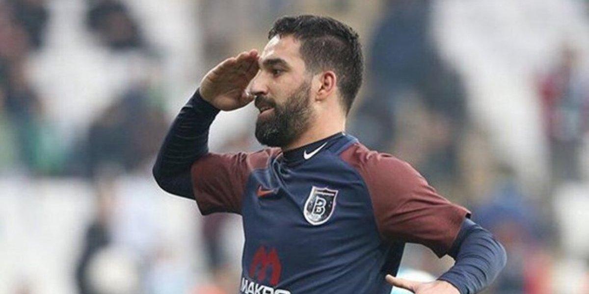 Arda Turan fue sancionado 16 fechas por agredir a un árbitro