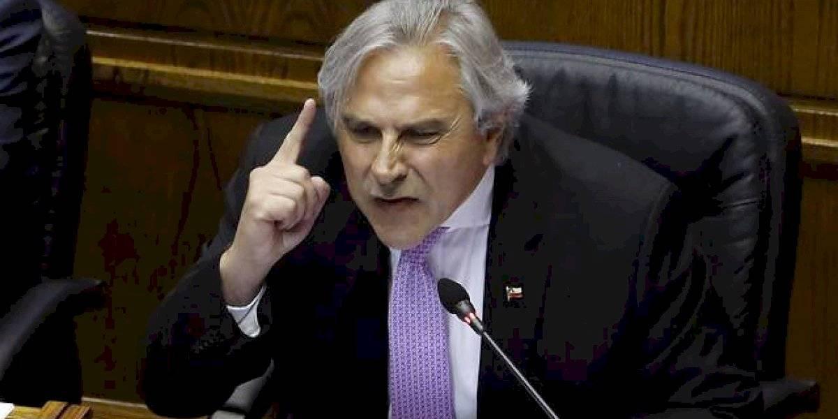 Moreira levanta la voz contra la UDI: critica llevar al Tribunal Supremo a diputados que votaron por retiro de la AFP