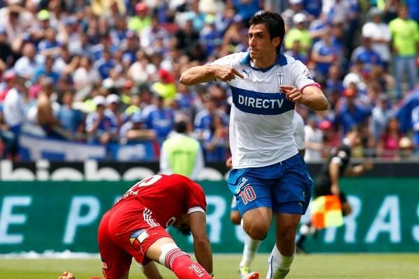 Milovan Mirosevic es el segundo goleador histórico de la UC jugando ante la U con 7 goles. Sólo lo supera Raimundo Infante con 9 / Foto: Agencia UNO