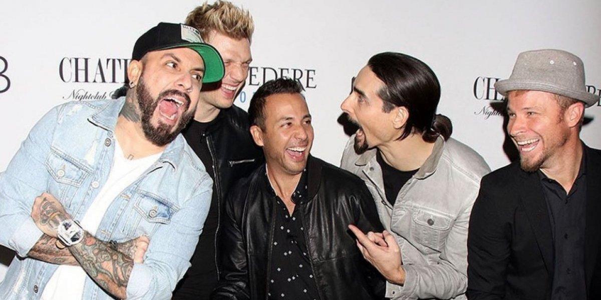 Backstreet Boys sorprenden con disfraz de las Spice Girls