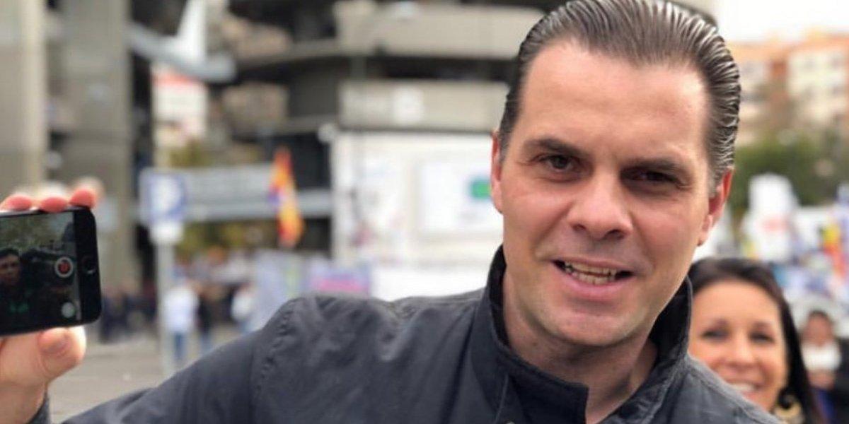 Christian Martinoli es recibido con gran sorpresa en un hotel de Torreón