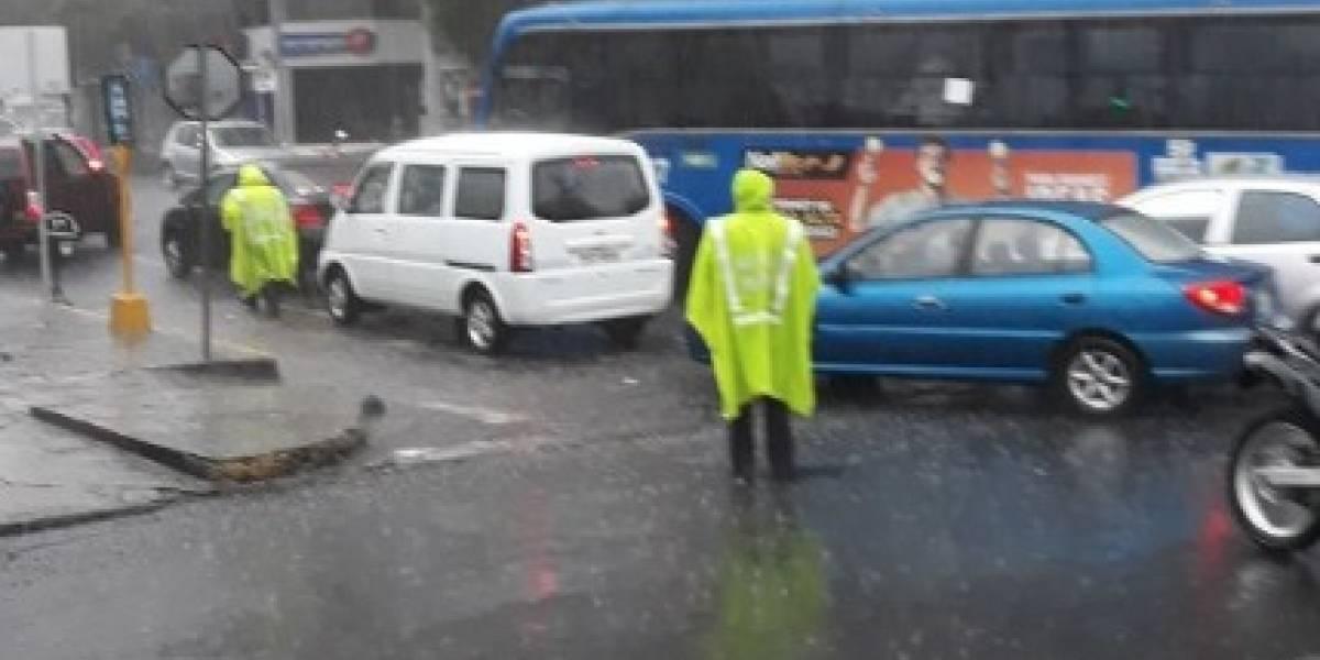 Quito: Se reporta posible artefacto explosivo en la avenida Amazonas