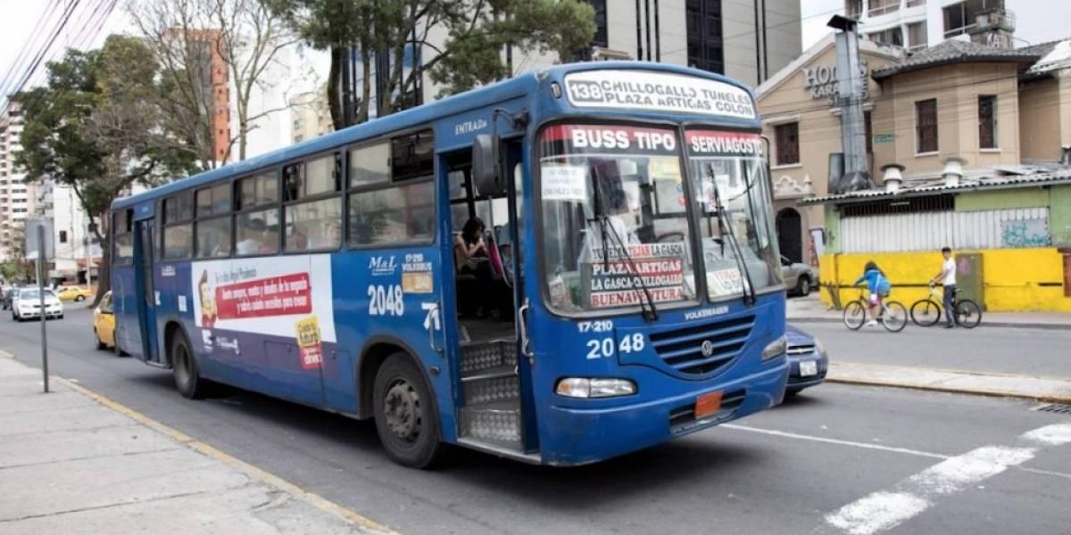 Concejo de Quito aprueba suspensión de proceso de regularización de buses y taxis