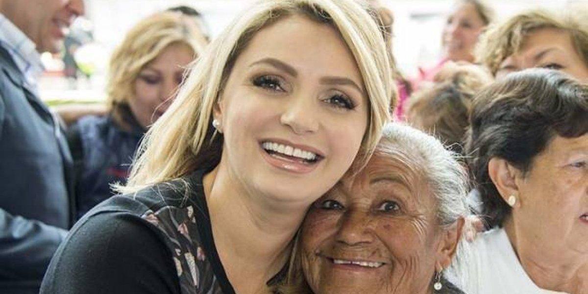 Angélica Rivera felicita a todas las madres mexicanas en su día