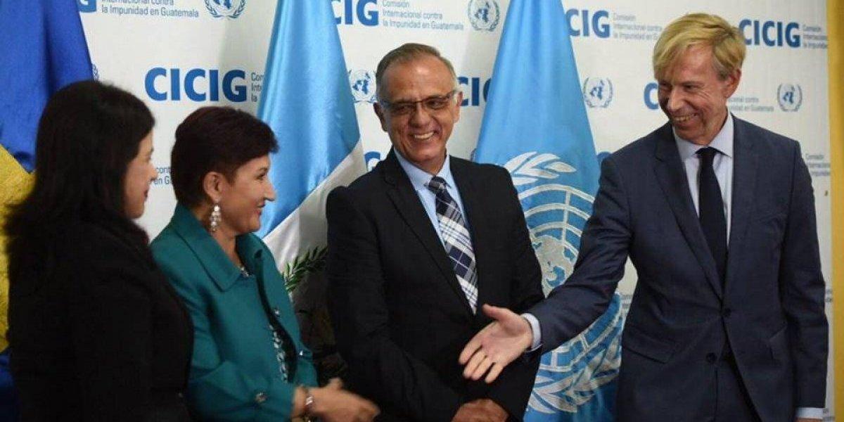 Guatemala pide retiro de embajadores de Suecia y Venezuela