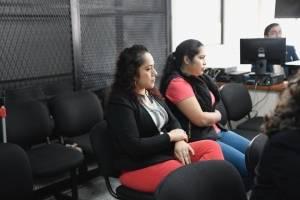María Isabel Sales y Bianka Jimena Villatoro, esposa y hermana de Guayo Cano
