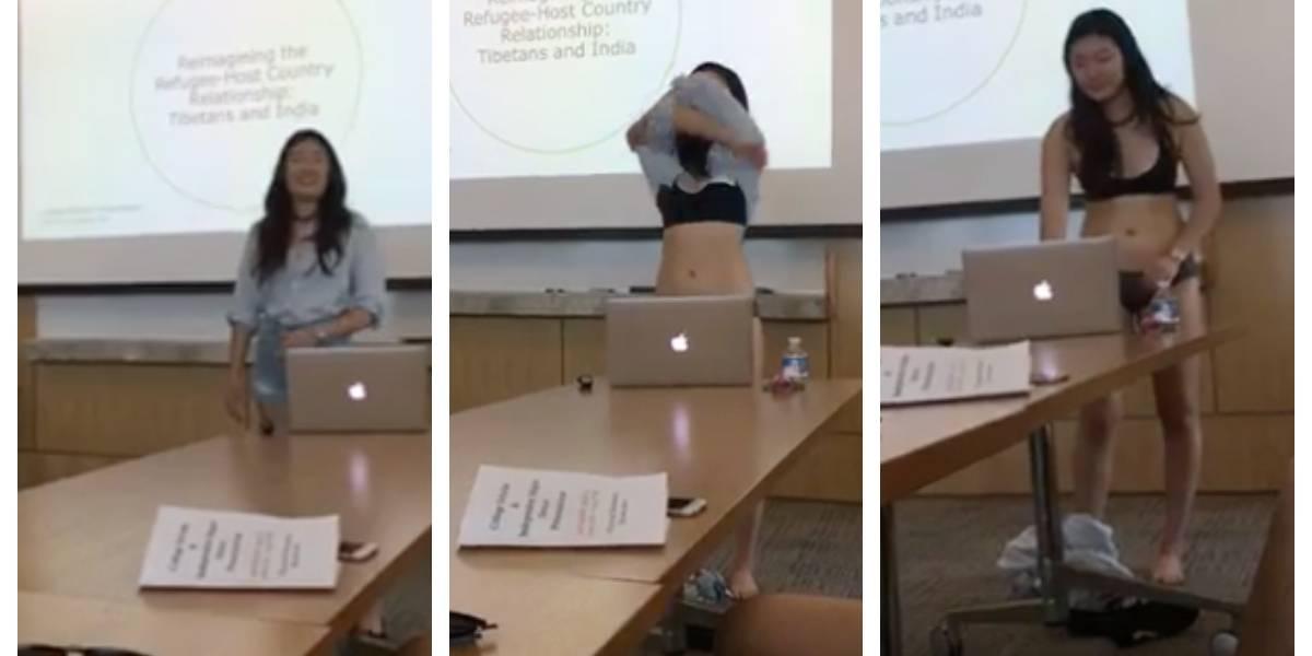 """Se quitó la ropa en presentación de su tesis para protestar luego de que su profesora le dijo que su vestimenta """"invitaba a la mirada masculina"""" y la alejaba del contenido"""