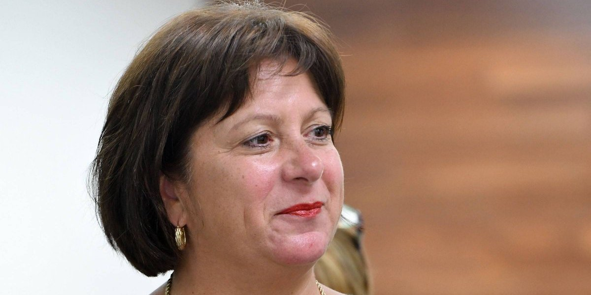 Junta aprueba con condiciones ley que exime a municipios de pagos a ASES