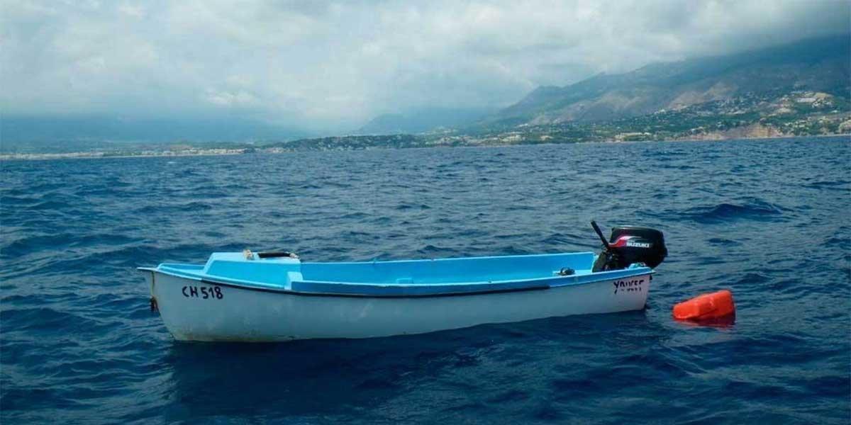Rescatan en alta mar a dos pescadores desaparecidos en el Banco de la Navidad