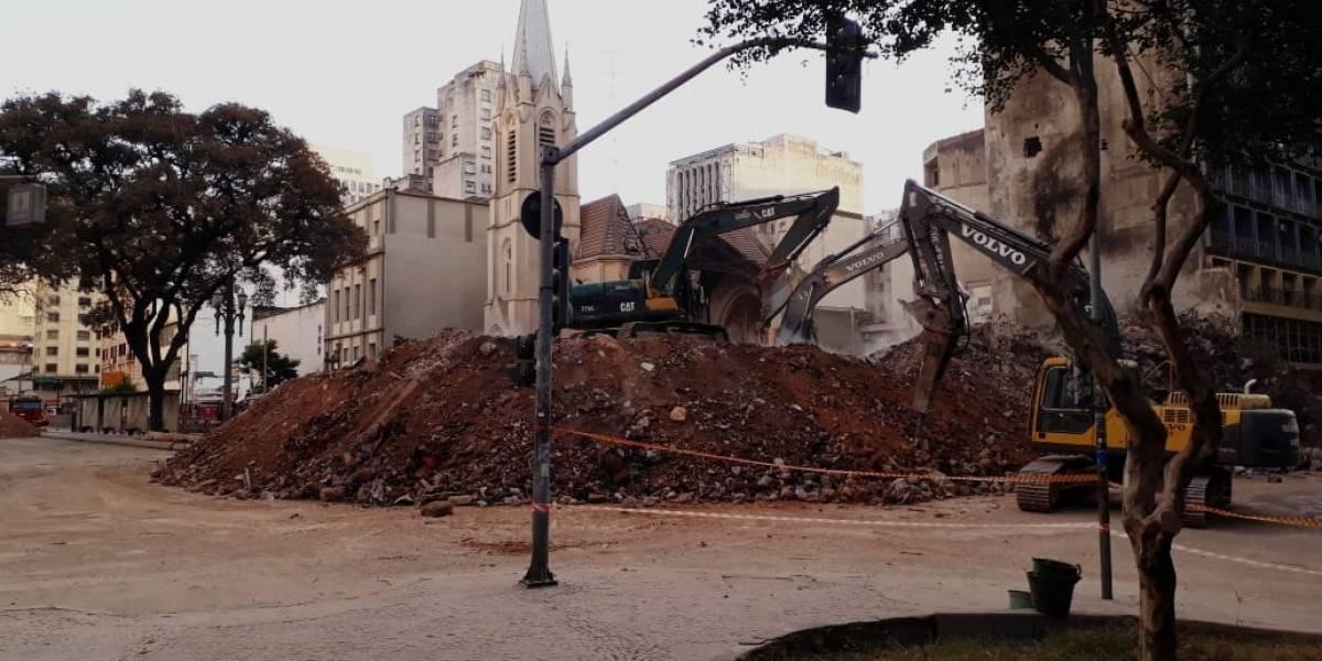 Imóveis ao redor de prédio que desabou podem ser desinterditados