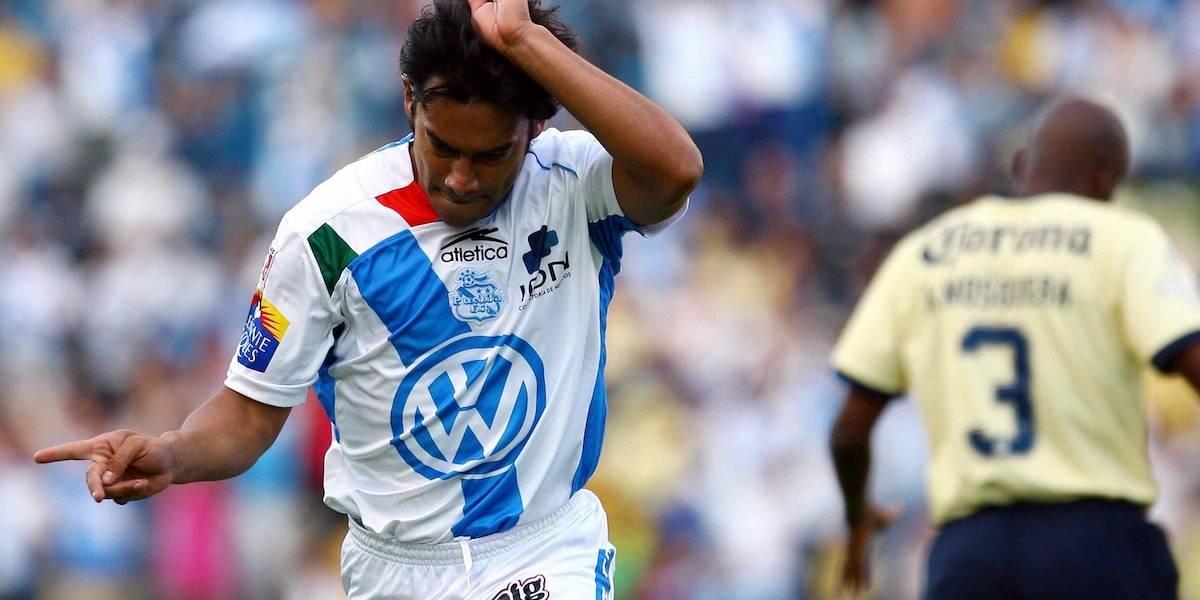 VIDEO: 'Pescadito' Ruiz perdió apuesta con periodista y se puso la playera de Chivas