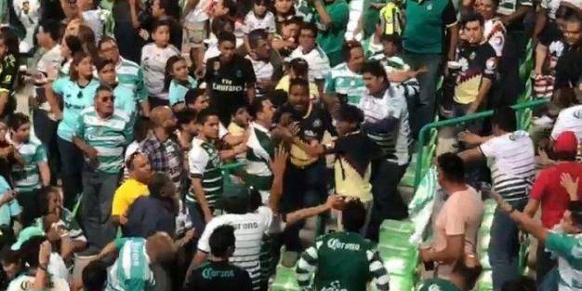 VIDEO: Aficionado del América evitó bronca en el estadio