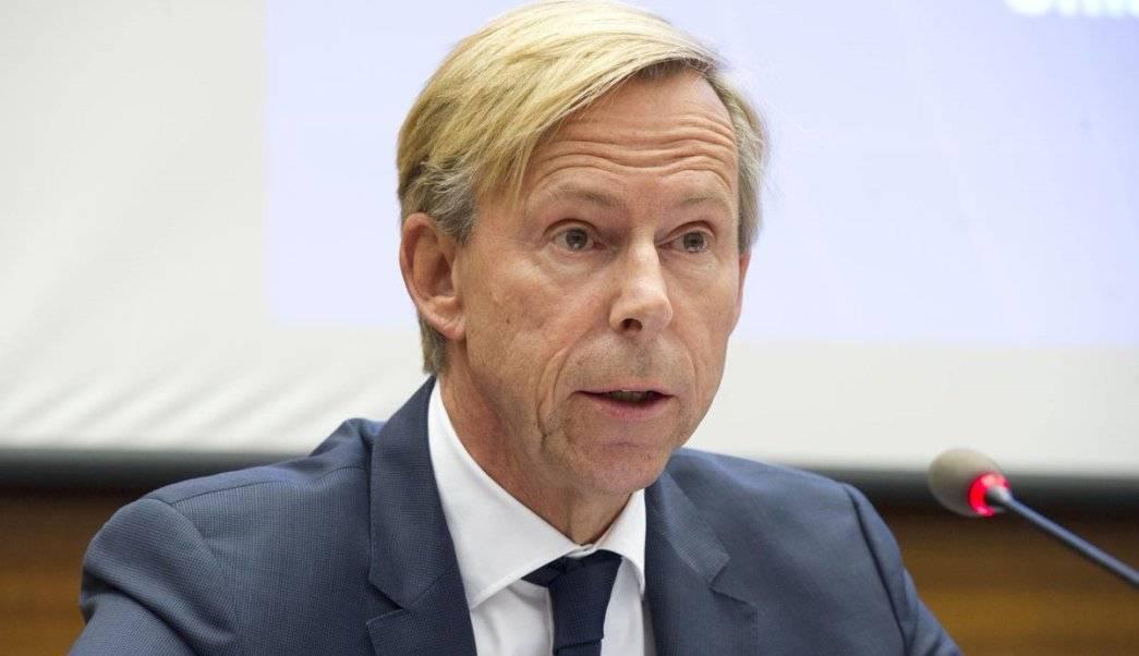La CC evitó la salida del embajador sueco, Anders Kompass. AP