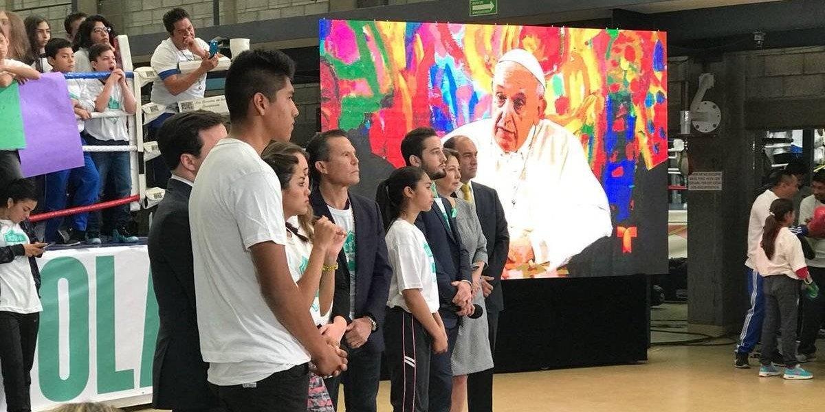 VIDEO: Julio César Chávez le pidió al Papa que 'le saque el chamuco'