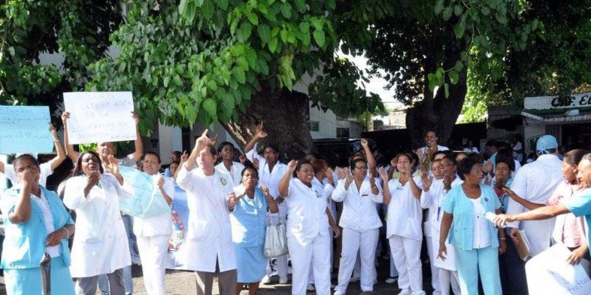 Enfermeras desconvocan paros previstos y dan compás de espera nuevo ministro