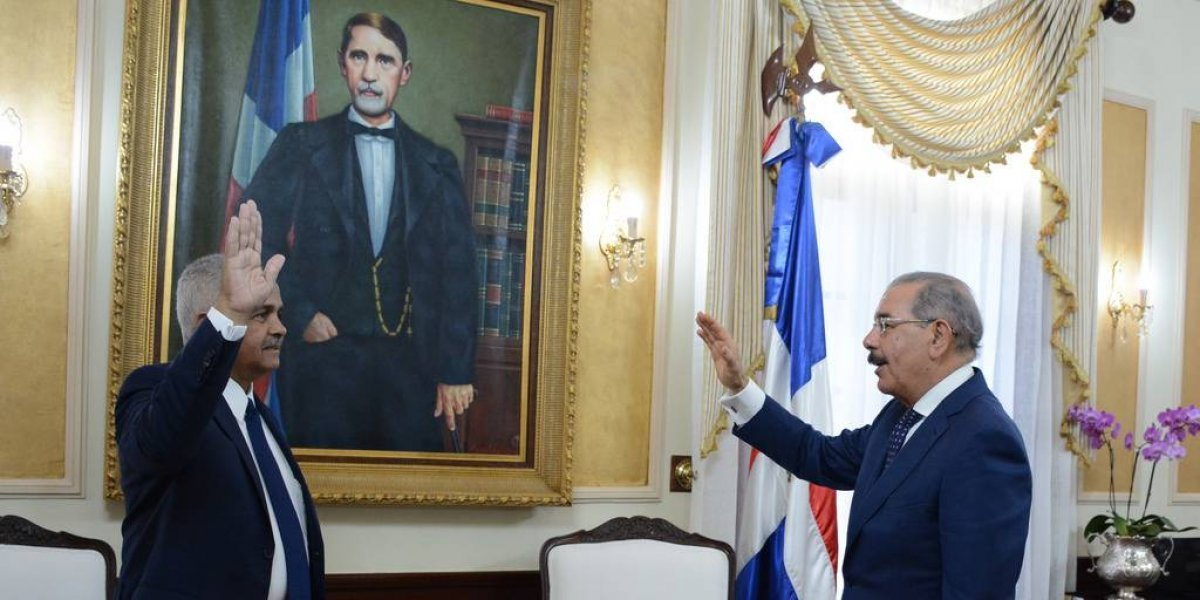 Danilo Medina juramenta a nuevo ministro de Agricultura, Osmar Benítez