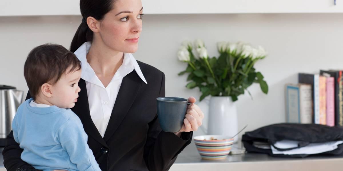 Encuesta Día de la Madre: 66% de las mamás que trabajan dan importancia a la flexibilidad de horario en su empleo