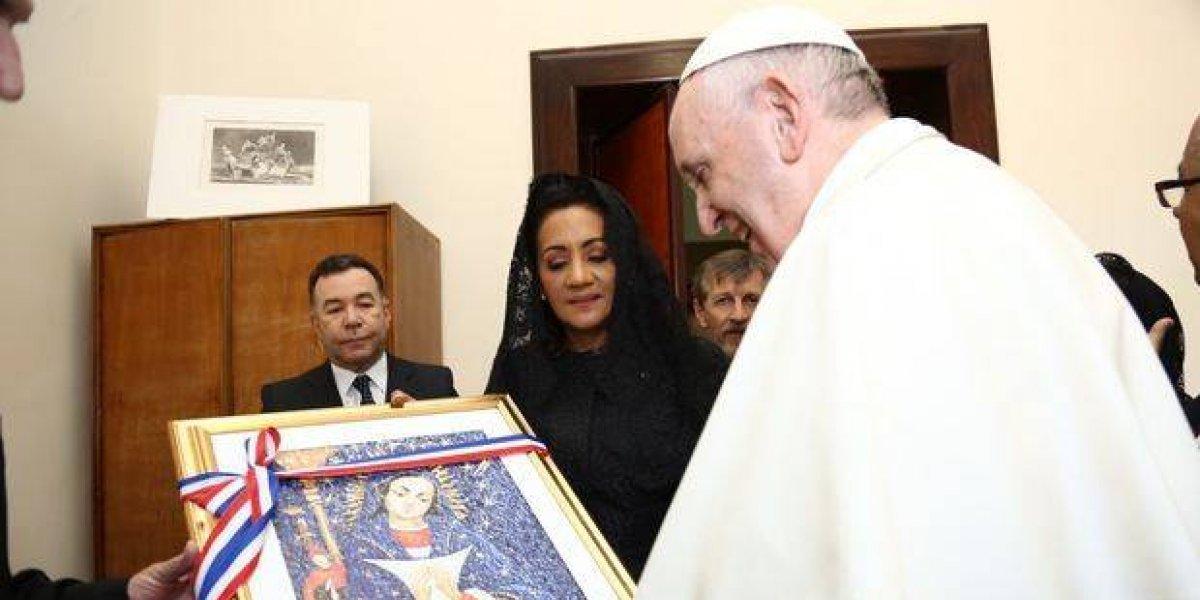 Primera dama se reúne con el Papa Francisco