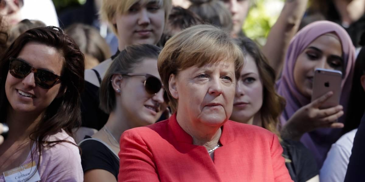 Angela Merkel critica salida de EEUU de pacto con Irán