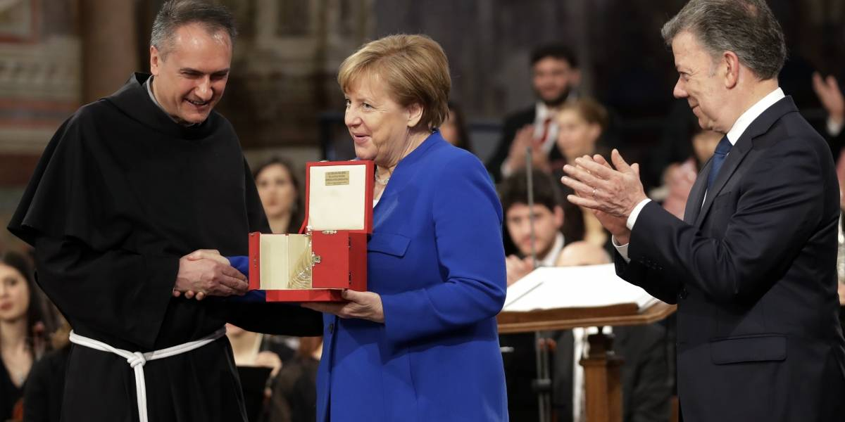 Merkel deplora retiro de Estados Unidos de acuerdo con Irán