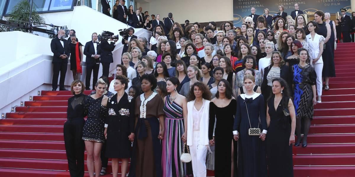 82 mujeres protestan en la alfombra roja de Cannes
