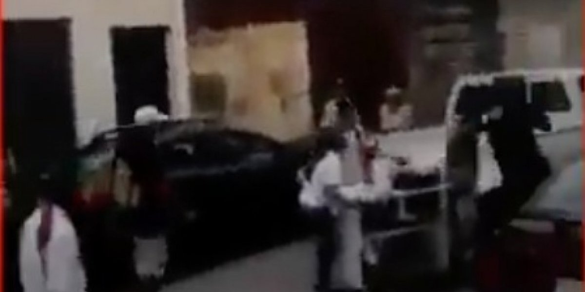 Vendedora informal fue agredida por agente metropolitano