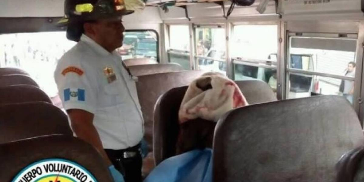 Momentos de pánico vivieron pasajeros de bus extraurbano al quedar en medio de balacera