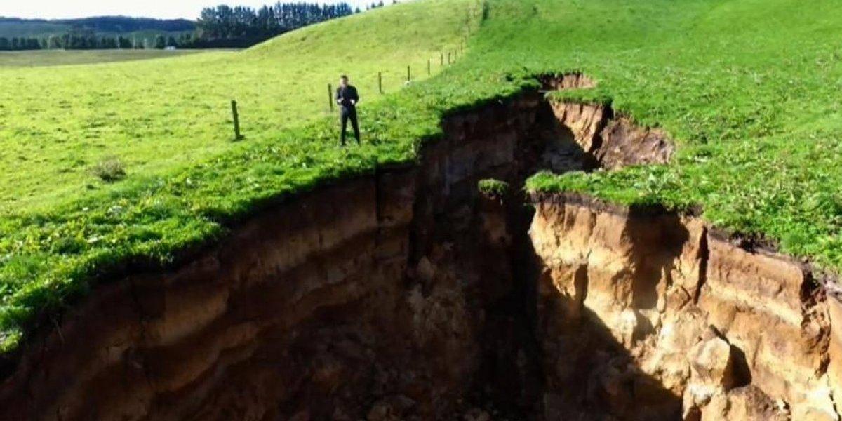 VIDEO. Impresionante grieta aparece en Nueva Zelanda, esconde un volcán dormido