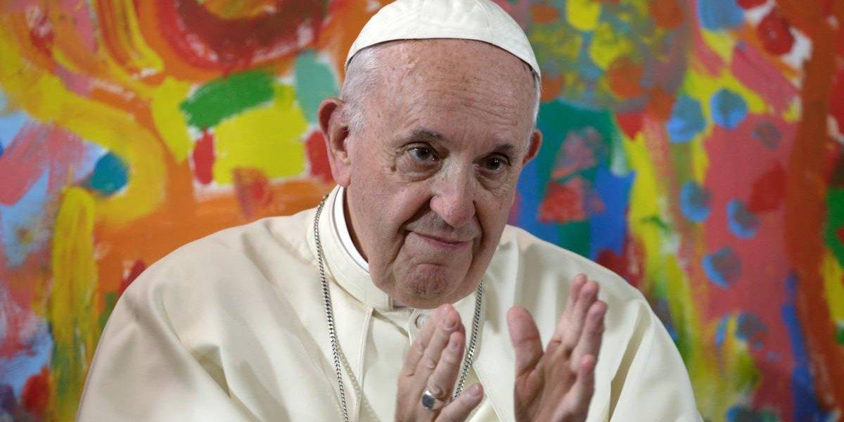 """Vaticano fija dura postura para reunión con obispos chilenos: se estudiarán cambios para que """"estos deplorables actos"""" no vuelvan a ocurrir"""