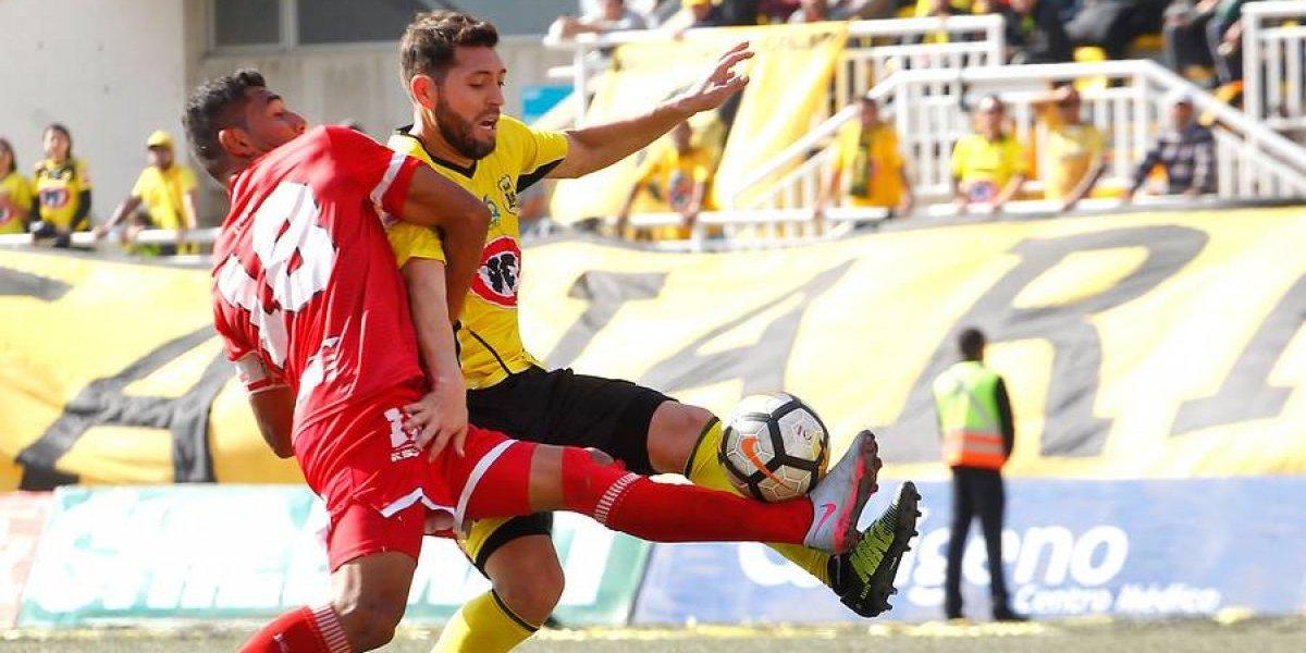 Pepe Rojas tuvo una tarde para el olvido en la derrota de San Luis en el clásico ante La Calera