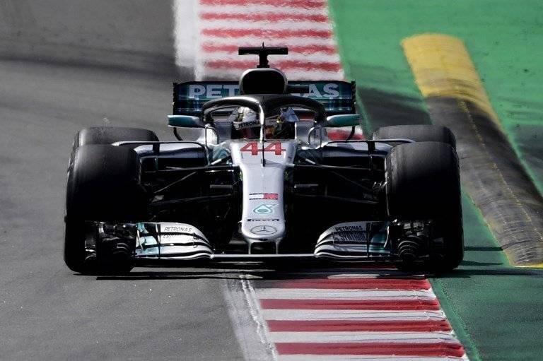 Hamilton en su carro Mercedez