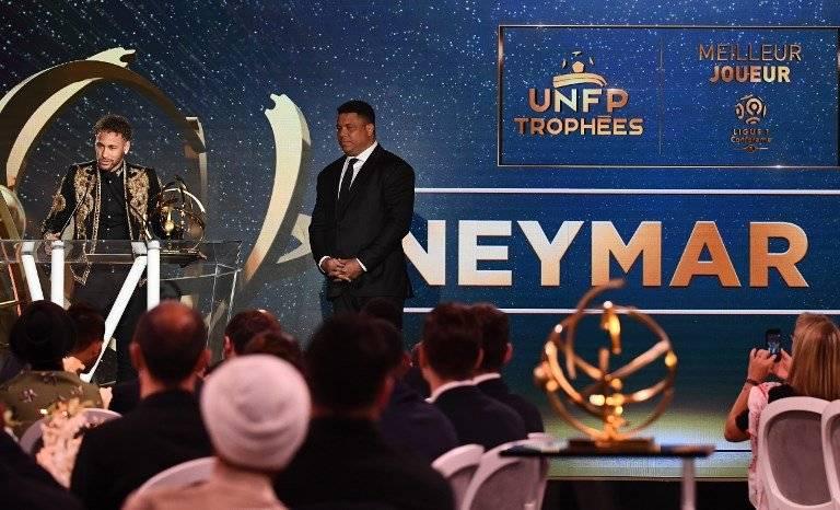 Neymar fue premiado como mejor jugador de la Ligue 1
