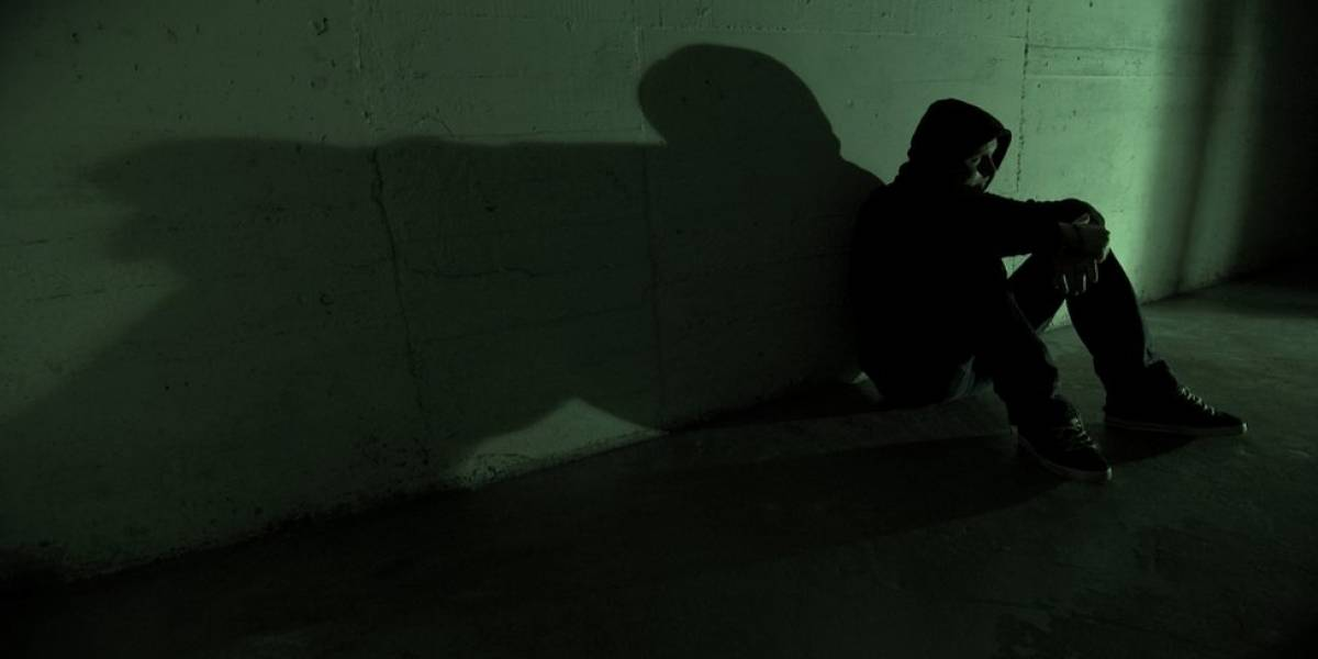 Como o desequilíbrio no cérebro adolescente ajuda a explicar suicídio entre jovens