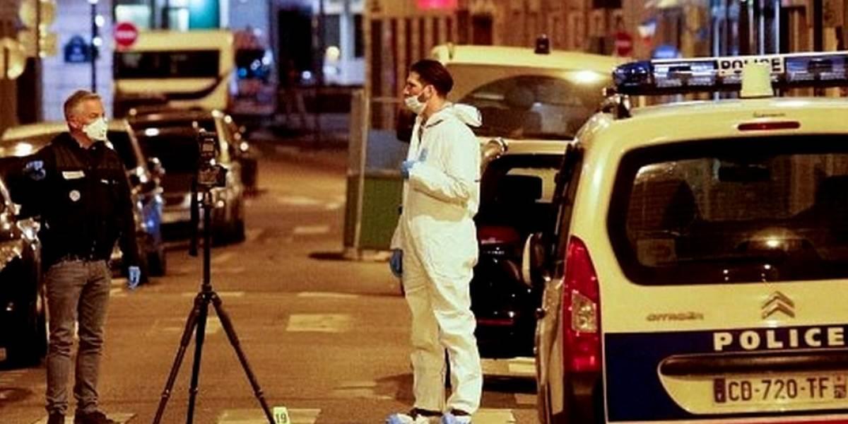 O que se sabe sobre o homem morto pela polícia após esfaquear pessoas em Paris