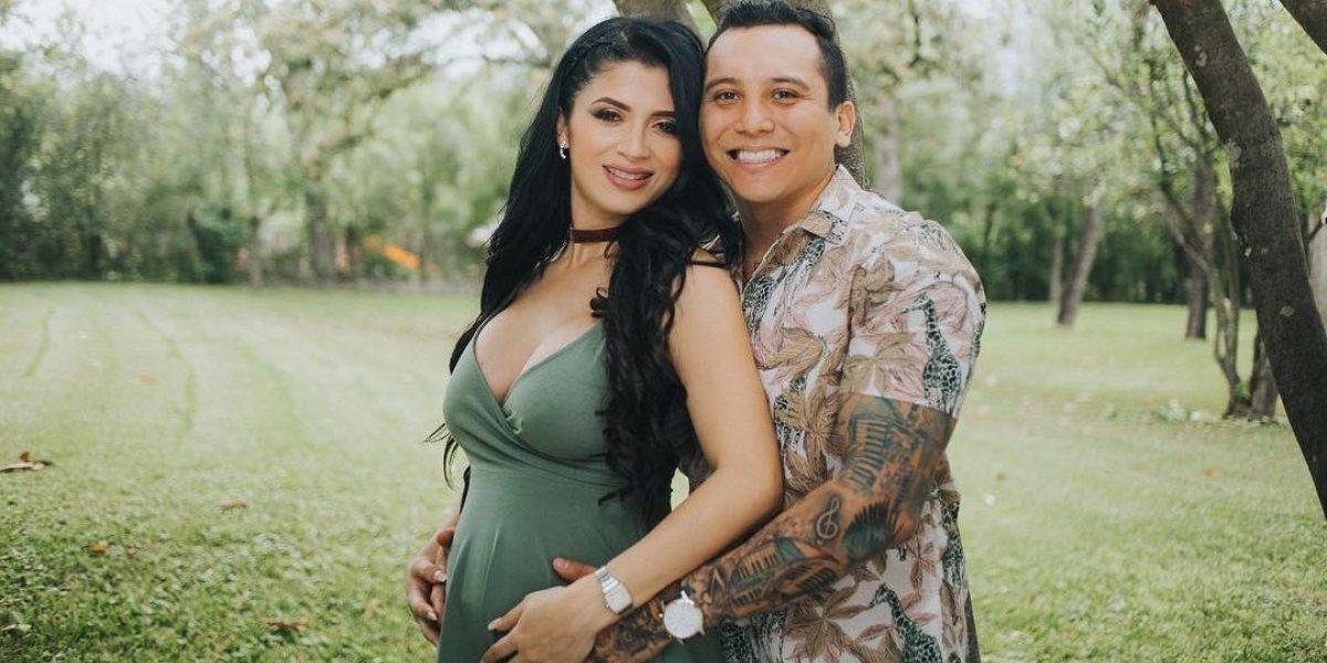 En ropa interior, modelo guatemalteca y novia de Edwin Luna muestra su avanzado embarazo