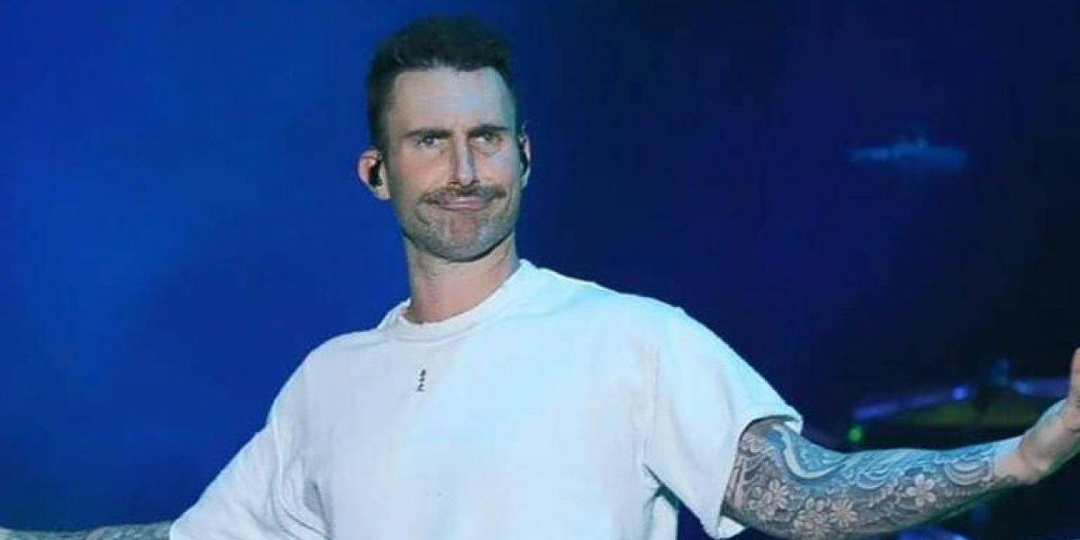 Maroon 5 se pone la camiseta de Chivas