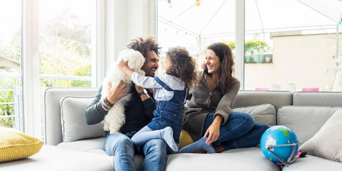 Estudio revela que cuidar a los hijos cansa más que trabajar