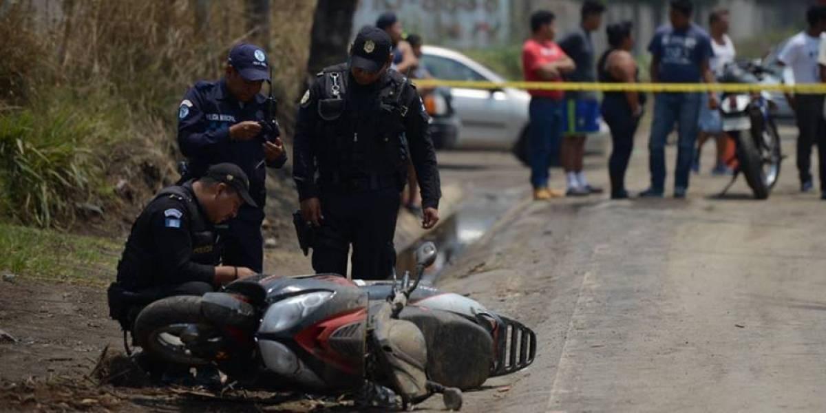 Asesinan a tiros a un presunto pandillero en Villa Nueva