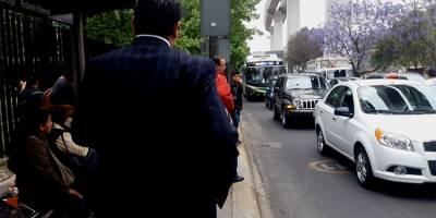 Se alertan con mensajes para evitar robos choferes de la CDMX