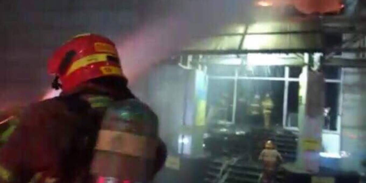 EN IMÁGENES. Así quedó el centro comercial Galerías Primma tras el incendio