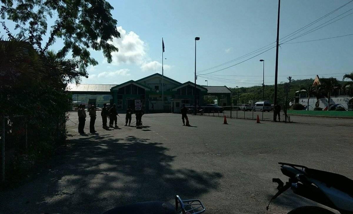 Soldados beliceños y guatemaltecos