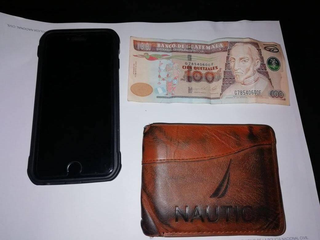 Pertenencias decomisadas a presunto ladrón en Escuintla