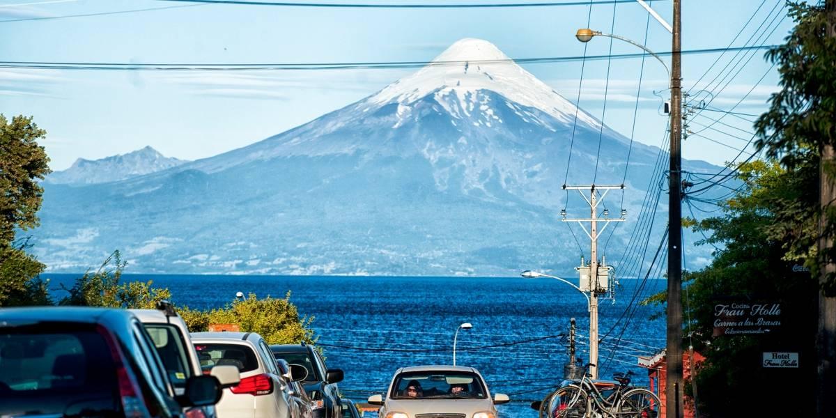 Definen plan de evacuación de colegios de Puerto Varas por eventual erupción del volcán Osorno