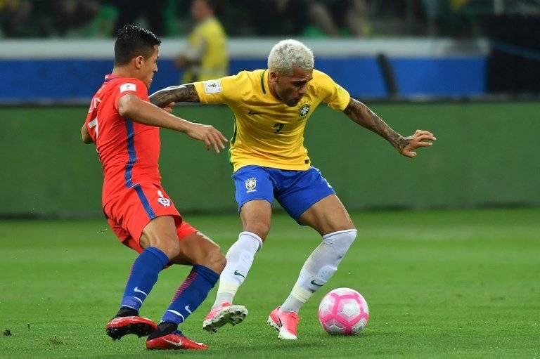 Dani Alves en un partido del equipo brasileño