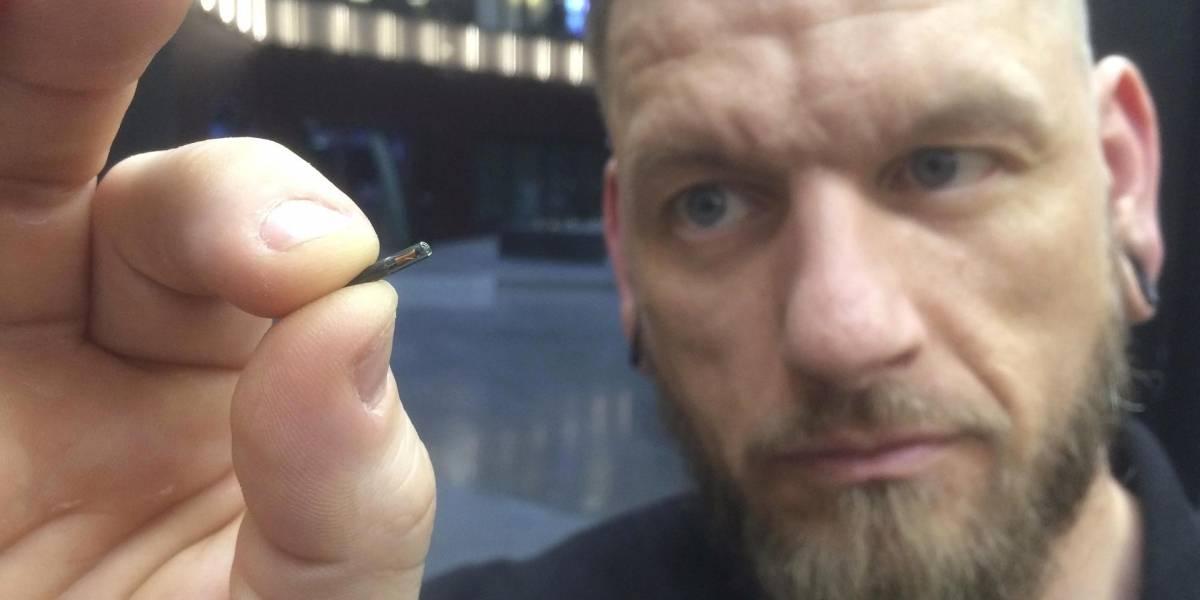Biohacking: Miles de suecos se implantan chips en sus cuerpos para hacer tareas diarias