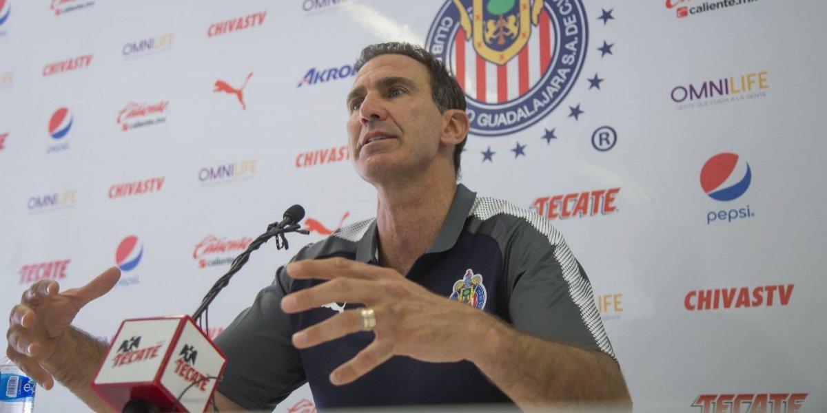 Chivas niega, por ahora, ventas de Pizarro y Pulido