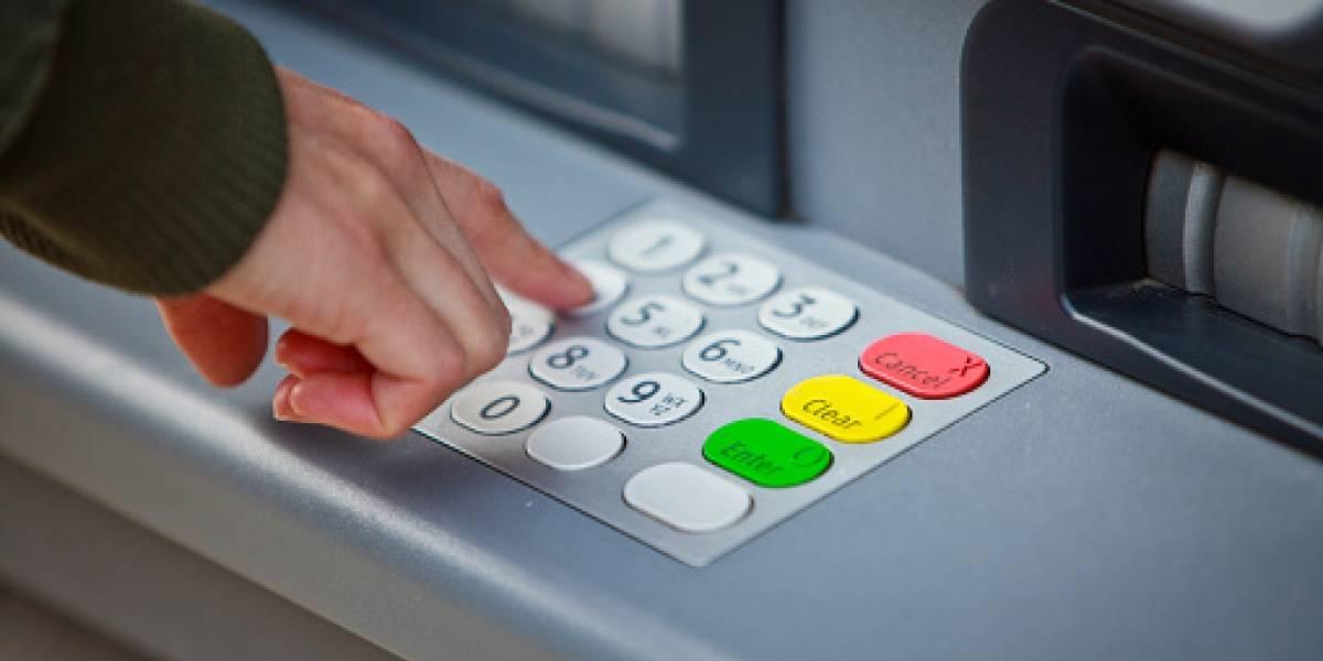 Fallas en transferencias electrónicas de 20 bancos continuarán por dos semanas, alerta Banxico
