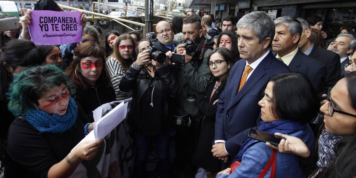 #CompañeraYoSíTeCreo : emplazan a rector de la U de Concepción para que se pronuncie sobre demandas sobre abusos sexuales